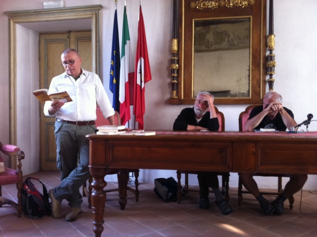 Maurizio legge da Stella d'Italia