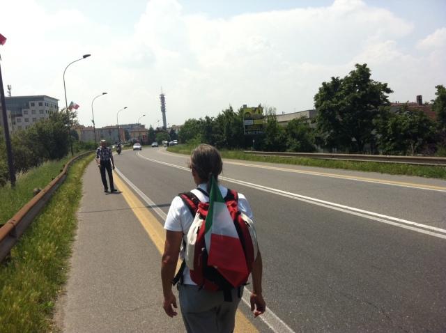 Non siamo i soli a camminare