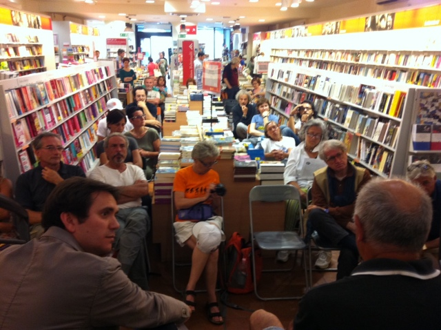 Presentazione di Stella d'Italia alla libreria Feltrinelli di Pavia con il sindaco Alessandro Cattaneo