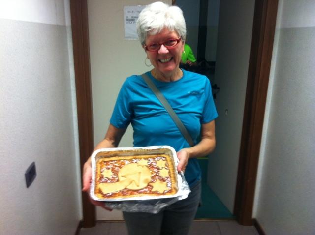 Vilma ha portato la torta di Freccia d'Europa!